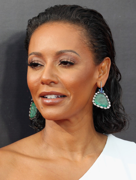 Melanie Brown sported wet-look curls at the 2016 Creative Arts Emmy Awards.