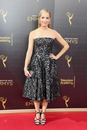 Joanne Froggatt was classic in a strapless jacquard dress by Oscar de la Renta at the 2016 Creative Arts Emmy Awards.