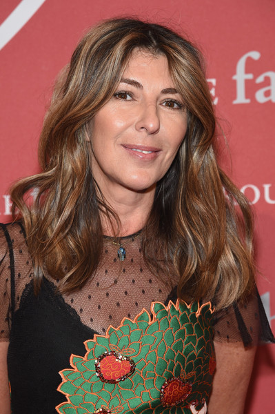 Nina Garcia attended the 2016 Fashion Group International Night of Stars Gala wearing her hair in loose waves.