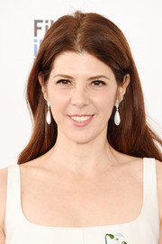 Marisa Tomei opted for an unstyled center-parted 'do when she attended the Film Independent Spirit Awards.