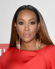 Vivica A. Fox showed off super-glossy ombre tresses at the 2016 Foundation for Letters Gala.