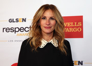 Julia Roberts looked as gorgeous as ever with her face-framing waves at the 2016 GLSEN Respect Awards.