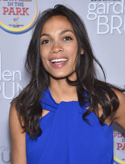 Rosario Dawson sported tousled waves at the 2016 Garden Brunch.