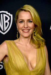 Gillian Anderson wore her shoulder-length waves swept to the side when she attended the InStyle and Warner Bros. Golden Globes post-party.