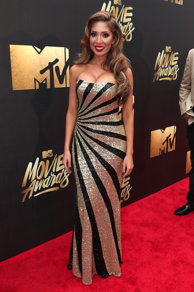 Farrah Abraham brought a dose of Old Hollywood glamour to the MTV Movie Awards with this strapless gold and black sequin gown.