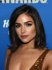 Olivia Culpo framed her gorgeous face with a classic lob for the 2016 NHL Awards.