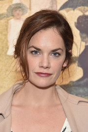 Ruth Wilson looked romantic with her messy updo at the 2016 New York City Center Gala.