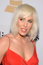 Natasha Bedingfield topped off her look with a mildly messy platinum-blonde bob for the Pre-Grammy Gala.