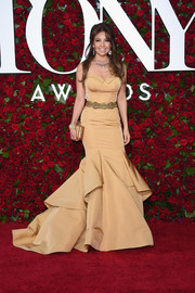 Thalia went full-on glamour in a strapless nude mermaid gown at the 2016 Tony Awards.