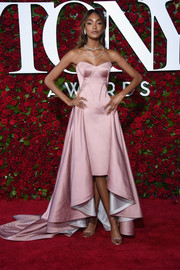 Jourdan Dunn looked splendid in a strapless pink fishtail gown by Zac Posen at the 2016 Tony Awards.