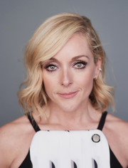 Jane Krakowski looked sweet with her short waves at the 2016 Tony Awards Meet the Nominees press reception.