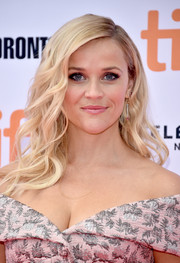 Reese Witherspoon looked like a doll with her perfect waves at the TIFF premiere of 'Sing.'