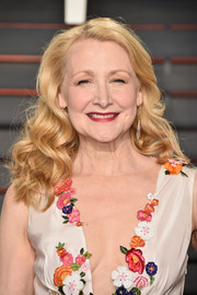Patricia Clarkson attended the Vanity Fair Oscar party wearing a lovely curly 'do.