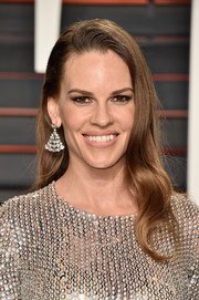 Hilary Swank's Bulgari diamond chandelier earrings coordinated perfectly with her outfit!