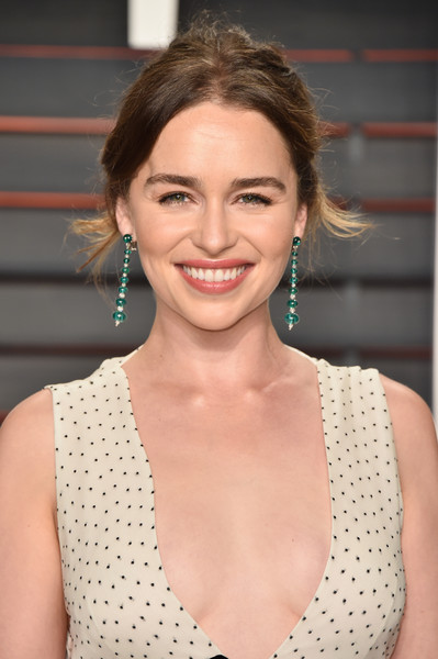 Emilia Clarke attended the Vanity Fair Oscar party sporting this messy updo.