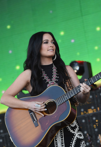 More Pics of Kacey Musgraves Crop Top (3 of 30) - Tops Lookbook - StyleBistro [kacey musgraves,string instrument,guitar,musical instrument,musician,plucked string instruments,guitarist,acoustic guitar,music artist,music,windy city lakeshake country music festival,chicago,illinois,firstmerit bank pavilion,northerly island]