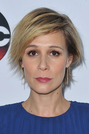 Liza Weil attended the 2016 Winter TCA Tour wearing a layered razor cut.