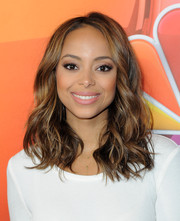 Amber Stevens West coated her pout a lovely pink hue.