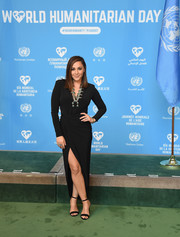 Alisan Porter was classic and sophisticated in a black high-slit wrap dress at the 2016 World Humanitarian Day: One Humanity event.