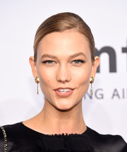 Karlie Kloss kept it minimal with this side-parted bun at the amfAR New York Gala.