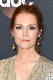 Darby Stanchfield wore her hair in a casual ponytail at the 2017 ABC Upfront.