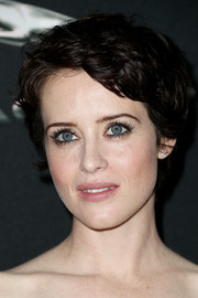 Claire Foy attended the 2017 AMD British Academy Britannia Awards wearing a cute short hairstyle.