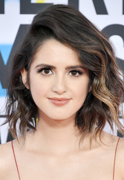 Laura Marano was stylishly coiffed with this wavy bob at the 2017 American Music Awards.