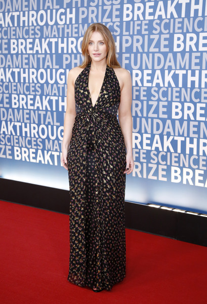 Bryce Dallas Howard looked simply fab in a plunging micro-print halter gown at the 2017 Breakthrough Prize ceremony.