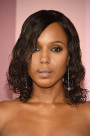 Kerry Washington rocked wet-look curls at the 2017 CFDA Fashion Awards.