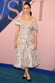 Amanda Peet charmed in a floral off-the-shoulder dress by Brock Collection at the 2017 CFDA Fashion Awards.