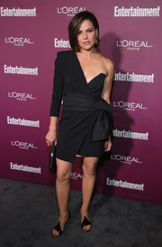 Lana Parrilla's peaked sandals were a perfect match to her dress!