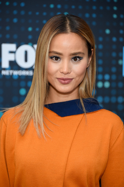 More Pics of Jamie Chung Pencil Skirt (1 of 2) - Pencil Skirt Lookbook - StyleBistro [hair,fashion model,beauty,human hair color,hairstyle,blond,shoulder,long hair,chin,fashion,fox upfront,jamie chung,wollman rink,central park,new york city,fox]