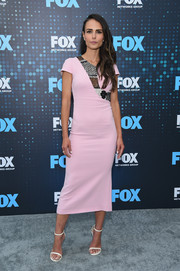 Jordana Brewster slipped into a fitted, patchwork-detail midi dress by Roland Mouret for the 2017 Fox Upfront.