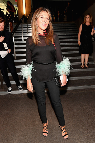Nina Garcia completed her outfit with a pair of skinny pants.