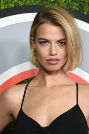 Hailey Clauson wore her hair in a classic bob when she attended the 2017 GQ Men of the Year party.