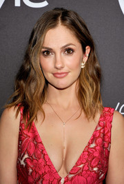 Minka Kelly kept it relaxed with this shoulder-length wavy 'do at the InStyle and Warner Bros. Golden Globes post-party.