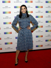 Eva Longoria kept it modest yet stylish in a long-sleeve, high-neck print dress from her eponymous label at the 2017 Kennedy Center Honors Artist's Dinner.