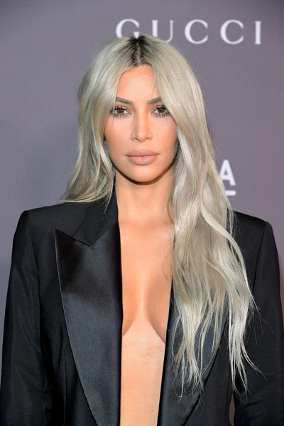 Kim Kardashian's Flowing Waves