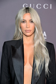 Kim Kardashian looked stylish with her slightly wavy ash-blonde tresses at the 2017 LACMA Art + Film Gala.