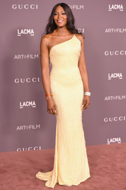 Naomi Campbell was a classic beauty in a fringed yellow one-shoulder gown by Atelier Versace at the 2017 LACMA Art + Film Gala.