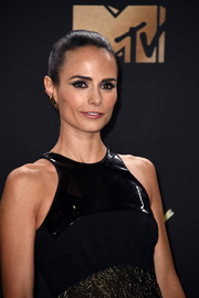 Jordana Brewster attended the 2017 MTV Movie and TV Awards wearing her hair in a tight, segmented ponytail.
