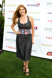 Connie Britton teamed her dress with black raffia platform sandals.
