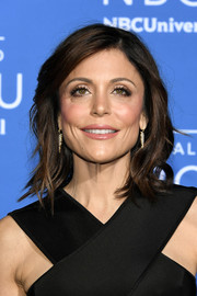 Bethenny Frankel styled her hair with flippy waves for the 2017 NBCUniversal Upfront.