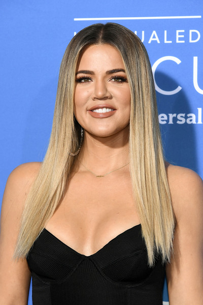 Khloe Kardashian looked like a walking shampoo commercial with her pin-straight hair at the 2017 NBCUniversal Upfront.