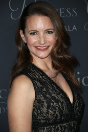 Kristin Davis looked lovely with her gently wavy hairstyle at the 2017 Princess Grace Awards Gala.