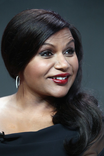 More Pics of Mindy Kaling Red Lipstick (1 of 7) - Makeup Lookbook - StyleBistro [the mindy project - final 6th season,hair,face,hairstyle,eyebrow,chin,lip,black hair,beauty,smile,forehead,mindy kaling,hulu,the beverly hilton hotel,beverly hills,california,tca,portion,summer television critics association press tour]