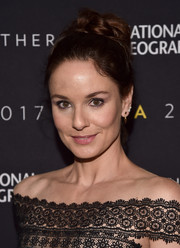 Sarah Wayne Callies styled her hair into a voluminous top knot for the 2017 Summer TCA Tour National Geographic party.