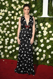 Anna Kendrick looked sweet on the Tonys red carpet in a floral-print gown by Miu Miu.