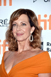 Allison Janney sported shoulder-length curls with side-swept bangs at the TIFF premiere of 'I, Tonya.'