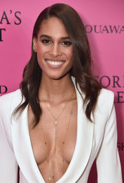 Cindy Bruna wore a perfectly sweet wavy hairstyle at the 2017 Victoria's Secret fashion show after-party.